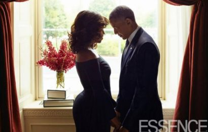 Barack, Michelle Obama's Romantic Photos Cause a Stir