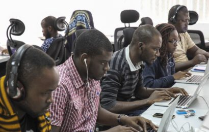 Voice of America Trains Nigerian Journalists on Business Reportage