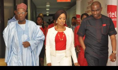(L-r): Justice Salihu Alfa Belgore, chairman, Airtel Networks Limited, (Rtd); Dr. Olufunso Amosun, wife of Ogun State Governor, and Segun Ogunsanya, MD & CEO, Airtel Nigeria, at the Premiere of Airtel Touching Lives Season 3, held in Lagos recently.