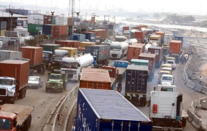 Apapa Gridlock: Lagos Govt Gives Truck Owners 48-hours Ultimatum